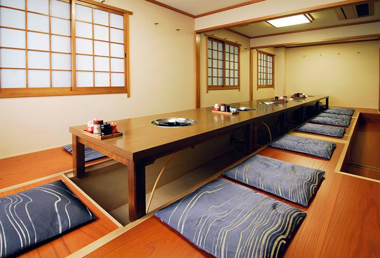 2階掘りごたつ可変式個室は最大20名様までご利用可能。