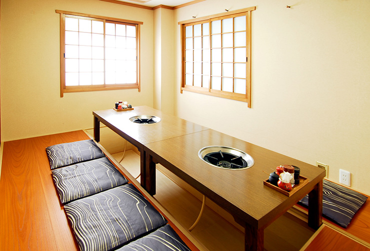 2階掘りごたつ可変式個室レイアウトの一例。(8名様仕様)