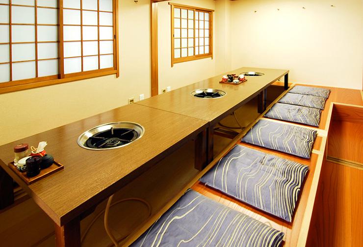 2階掘りごたつ可変式個室レイアウトの一例。(12名様仕様)